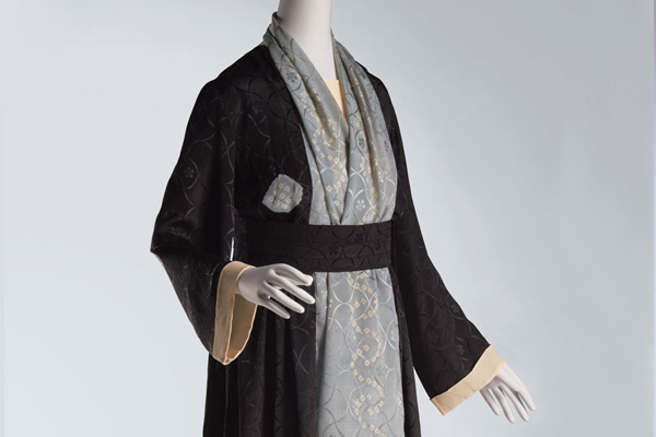 Dress, 1920–1930, by Paul Poiret (French, 1879–1944) for The House of Paul Poiret. Dress and belt: silk crepe, tie-dyed, with stenciling. Collection of The Kyoto Costume Institute. © The Kyoto Costume Institute, photo by Masayuki Hayashi.